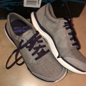 Teva Wander Lace Canvas Sneakers, Women's Size 5